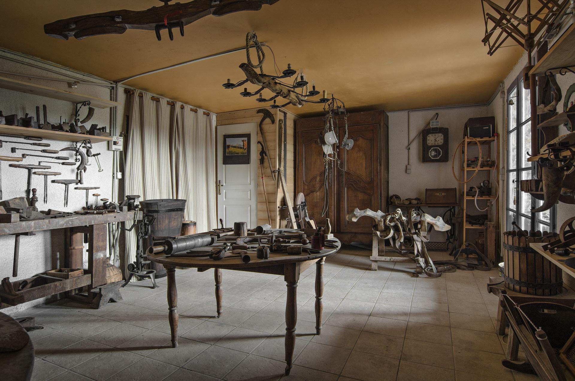 Fontaine Neuve gites et chambres d'hôtes à Lure : le musée des anciens, la collection d'outils