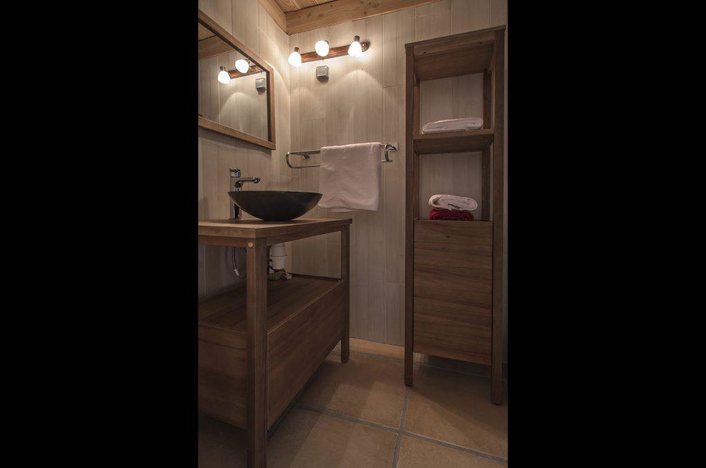 Fontaine Neuve gites et chambres d'hôtes à Lure : la chmabre Figuier, la salle d'eau