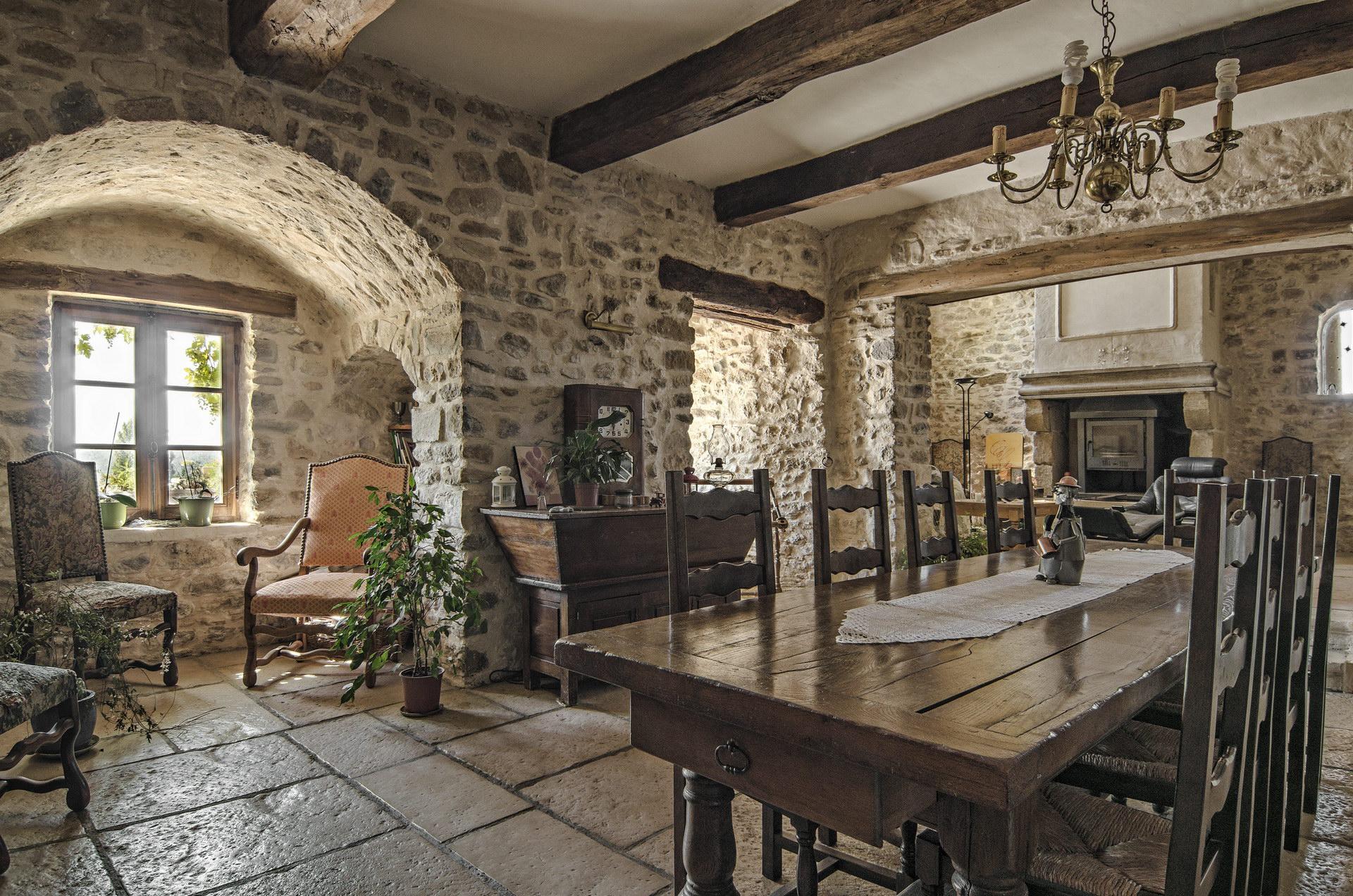 Fontaine Neuve gites et chambres d'hôtes à Lure : grande salle à manger