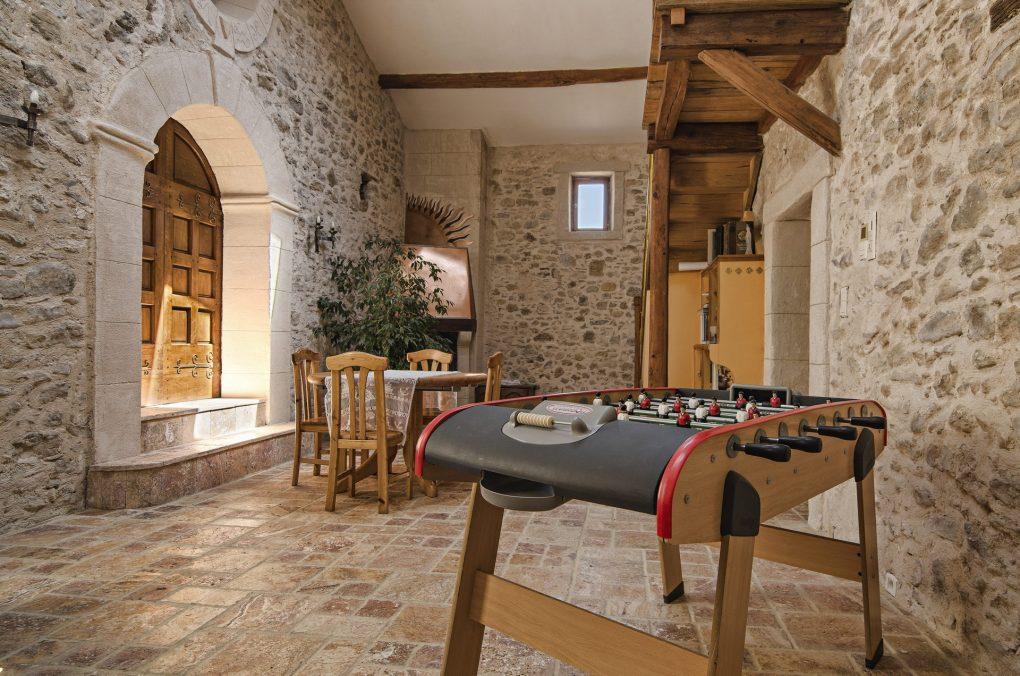 Fontaine Neuve gites et chambres d'hôtes à Lure : la salle de jeu & de lecture